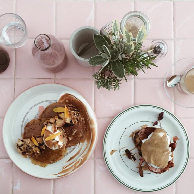milk-cafe-london-balham-coffee-brunch-breakfast-pancakes-convict-interior-design-pink-table
