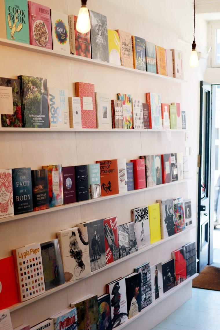 edinburgh-scotland-mercure-hotels-review-uk-travel-blogger-lifestyle-golden-hare-books-1-1440x2160
